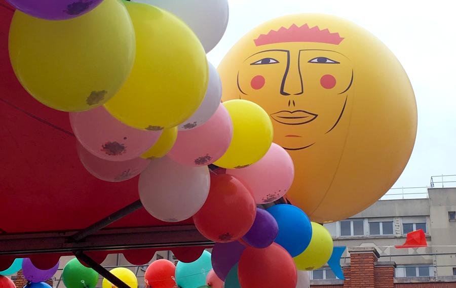 Graphisme des ballons géants Rois Mages.