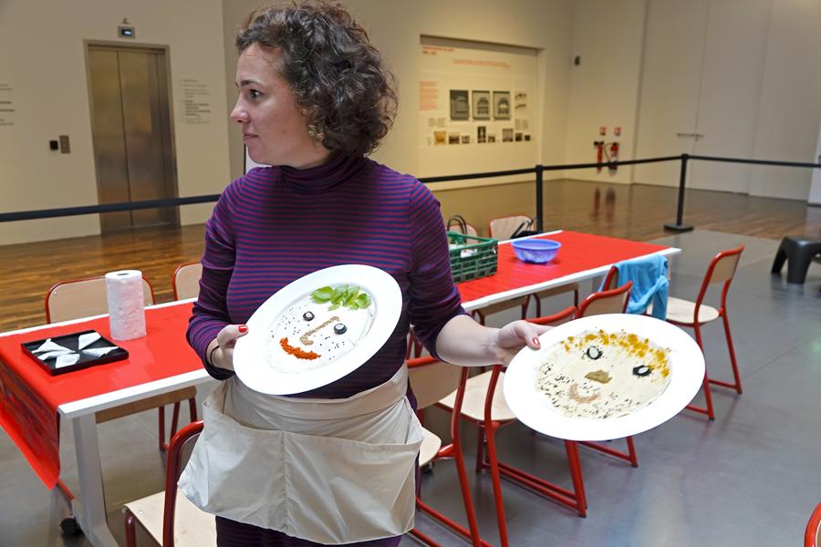 autoportraits culinaires sur des pains du monde