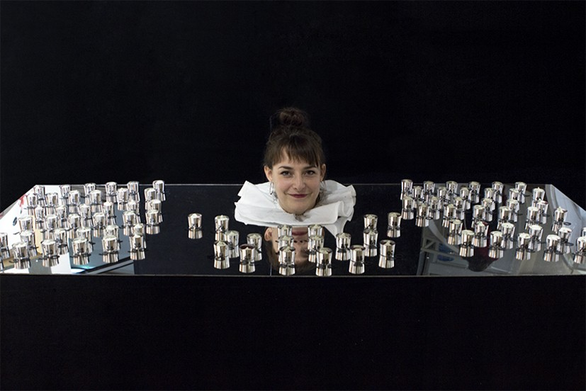 femme sans corps illusion d'optique